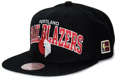 huge selection of 77fb4 11e35 Mitchell   Ness Portland Trailblazers Black Team Arch Berretto da Baseball  NBA