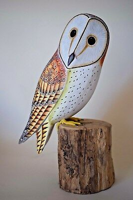 """Hand Carved Wooden Painted LARGE Barn Owl on Tree Stump Bird Carving 11""""/ 28cm"""