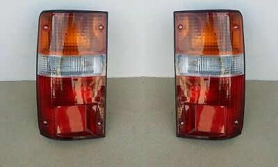 For Toyota Hi-Lux Mk4 Pick-Up 10//1997-2001 Rear Tail Lights Lamps Pair OS NS