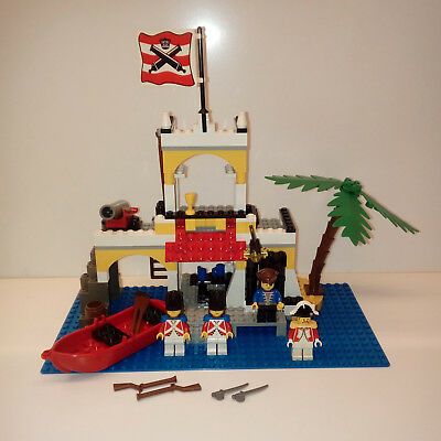 Imperial Outpost  6286  1492  1889  1970 LEGO VINTAGE MINIFIG Pirate 6263-1