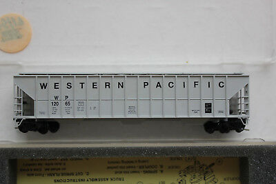 covered hopper Western Pacific Railroad N US-Güterwagen Precision Masters / MTL