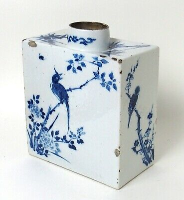 Fine antique 18th /  19th century Chinese blue & white porcelain tea caddy