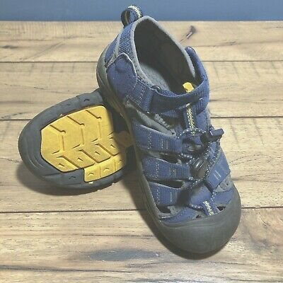 b2a1fdaa3981 Keen Big Kids 2 Newport blue Neptune water shoes sandals  1009962  waterproof EUC
