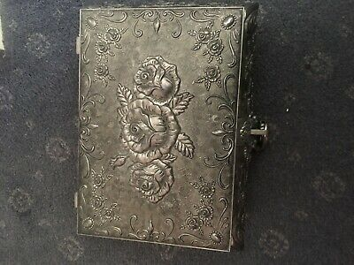 STUNNING Queen Anne Antique Style Silver Plated Jewellery Box Padlock Key