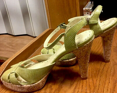 af3ac6886c7d LIME GREEN WEDGES Makers Shoes size 9 -  25.00