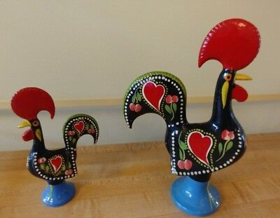 """Vintage Pair Of Handpainted Heart Folk Art Cast Metal Rooster 5 1/2"""" And 8"""" Vgc"""