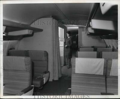 1939 Press Photo Inside of the 727 Booing Plane