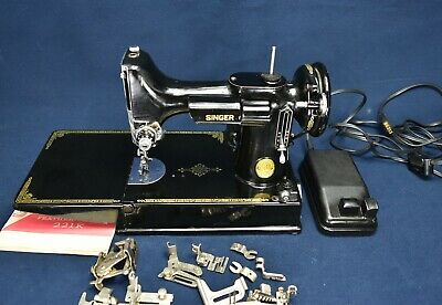 Singer 221K Featherweight Sewing Machine With Attachments And Case