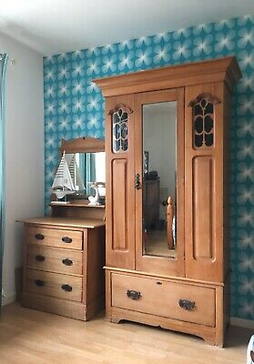 Beautiful Original Victorian / Edwardian Solid Wood Dressing Table With Drawers