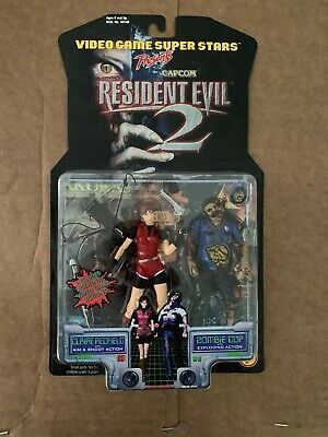 Toy Biz Capcom Resident Evil 2 Claire Redfield Action Figure With Zombie Cop