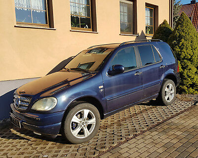 Mercedes ML 320 - Benzin - AHK - Allrad-Automatik-TOP!