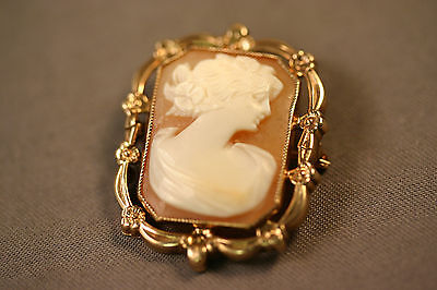 Vtg Antique Victorian 10K Solid Gold ESEMCO Carved Shell Cameo Brooch Pin