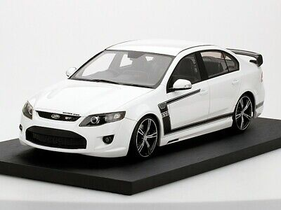 Apex Replicas 1/18 Ford FPV GT R-Spec (2012) Winter White - Exclusive to Vantage