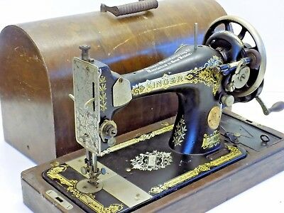 Singer Sewing Machine Hand Crank Vintage Antique Collectable