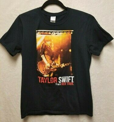 5c2d83469 Gildan Size M Taylor Swift The Red Tour Concert With Dates on Back T Shirt