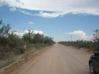 Texas land 80 Acres near El Paso-Close to County Road Green Great Location