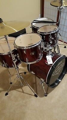 Tama Imperialstar 5-Piece Complete Drum Set Meinl Cymbals 18in Bass Vintage Red