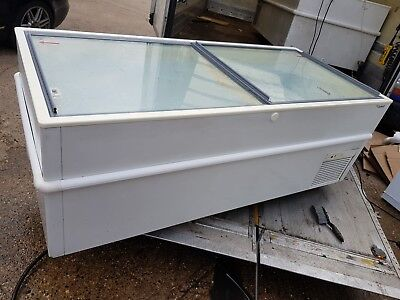 Caravell Glass Top Big Chest Freezer