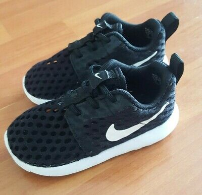 Nike Roshe One Flight Weight PS Black white Boy Shoes Size 7 C   819691 b52bc3a48762