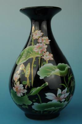 chinese old jingdezhen  porcelain Hand painted lotus pattern vase c01