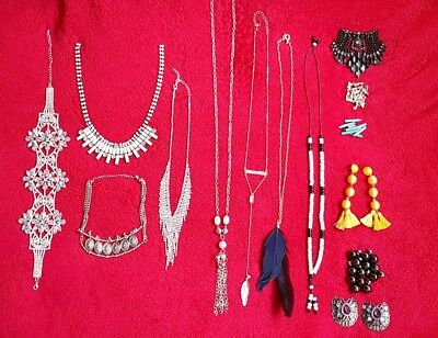 Job of lot jewellery modern vintage chains  cristals, mixed lots, 16 gold silver