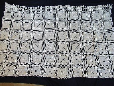 Charming Florals ~ Vintage Hand Crochet Tablecloth Mat, Χειροποίητο τραπεζομάντι