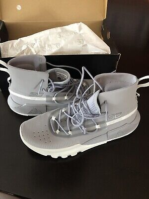 3791a7dfc26f UNDER ARMOUR SC 3ZERO II - MEN S Stephen Curry Shoes Grey. Worn Once ...