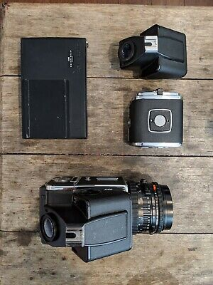 Hasselblad 501CM Set w/80mm F2.8 Zeiss Lens and full kit