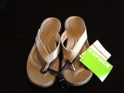 8109070d4fa5 Crocs Womens Capri V Flip W Chai  Walnut Color Relaxed Fit Size 7 New With