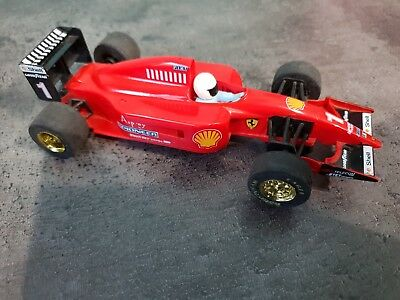 VOITURE HORNBY SCALEXTRIC  : F1 - ferrari fiat - shell - pioneer