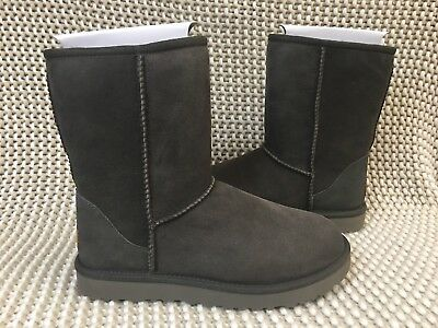 3a4104f119a UGG CLASSIC SHORT Ii Black Olive Waterproof Suede Women's Boots Size Us 7  New