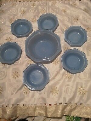 Vintage 1950's Pyrex Spray Ware Dessert Bowl And 6 Matching Serving Bowls