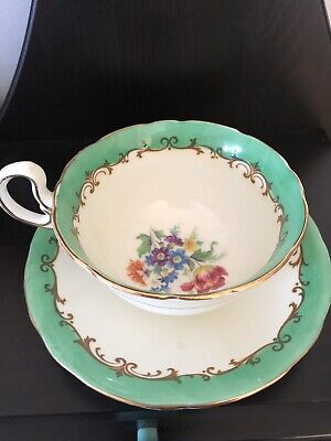 Aynsley China Minty Green Gold Design w/ Floral Spray Tea Cup and + Saucer Set