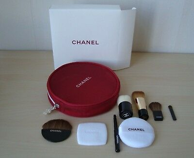 CHANEL brush set   2 sponges  and  6 mini  brushes in mesh bag VIP gift