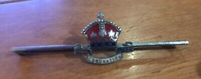 A lovely Kings Crown Coronation enamel and silver metal tie pin             G4