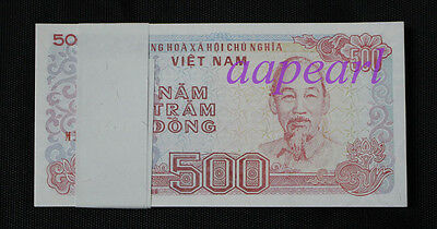 a bundle of 100pcs Vietnam Banknotes 500 Dong paper money brand new Uncirculated