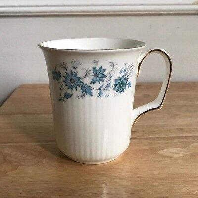 "COLCLOUGH BRAGANZA 3 7/8"" Blue Floral Bone China Mug - England - EUC"