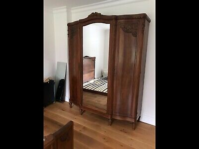 A Large Top Quality Solid Mahogany Wardrobe / Armoire / Antique Style /