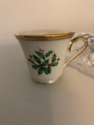 """lenox holiday Bone China Coffee/tea Cups """" Holly berry"""" Gold Accent"""