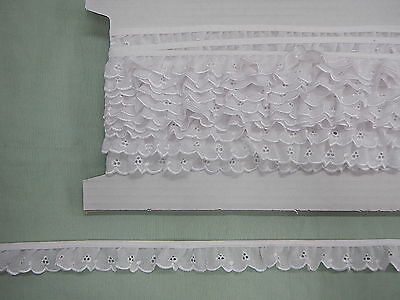 Broderie Anglaise Gathered Lace  White (5546) x 10 mts