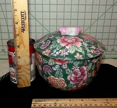 Beautiful Vintage Chinese Decorated Porcelain Hand Painted Floral Bowl with Lid