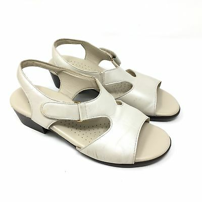 33fd4bbdbb94 Women s SAS Size 6.5M Sandals Shoes Ivory Leather Slingback Strappy Tripad  Y10