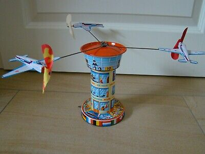 Blechspielzeug 3 Flugzeuge Tower Turm Karussell Schopper Germany Tin Toy Tole