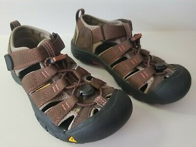 061d40fa6861 KEEN Newport H2 Slate Black Burnt Henna Waterproof Sport Sandals Youth Size  2