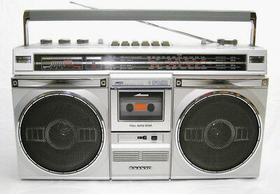 SANYO M9935K AM-FM-SW Cassette Vintage Boombox (FULLY SERVICED + NEW BELTS)