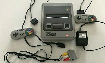 Nintendo SNES Console including 2 x official controllers