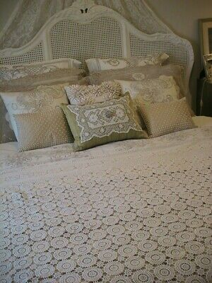 Divine Large Ivory Crochet Lace Tablecloth Or Bedspread 275 X 152Cms