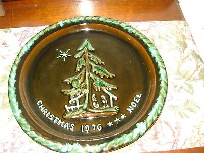 Vintage 1976 Blue Mountain Pottery Christmas Display Plate Platter First Edition