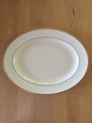 Royal Doulton Heather pattern H5089 Cream Oval Serving Platter - Made in England
