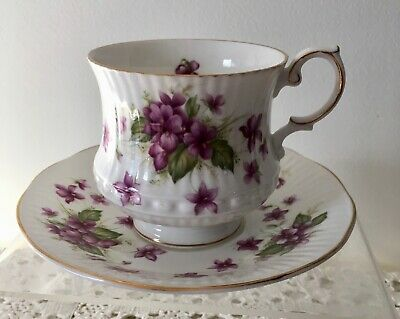 """Queen's Fine Bone China England (Rosina) Cup & Saucer """"violets""""  White Purple"""